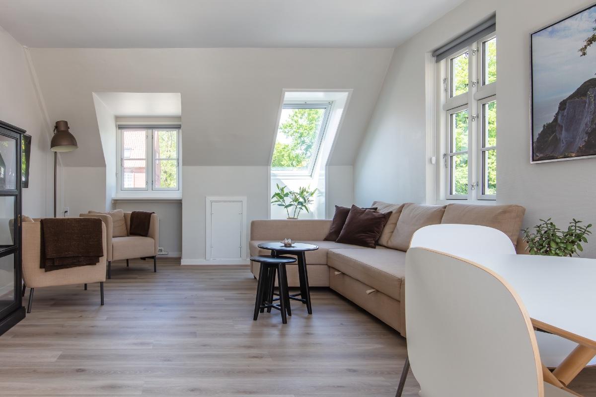 residensmoen-lejlighed-stue-1200x800